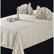 Комплект столового белья  версаль с  кольцами (160*220+6  салфеток.)